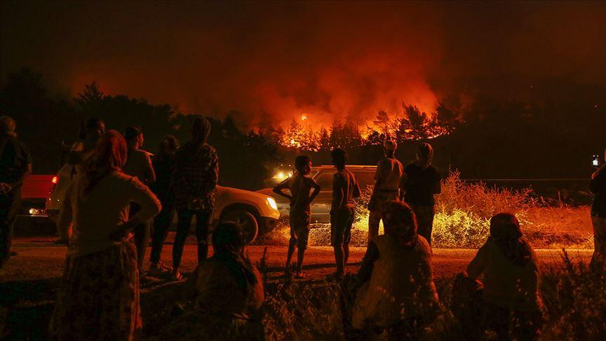 Karabağlar'daki orman yangını kontrol altında
