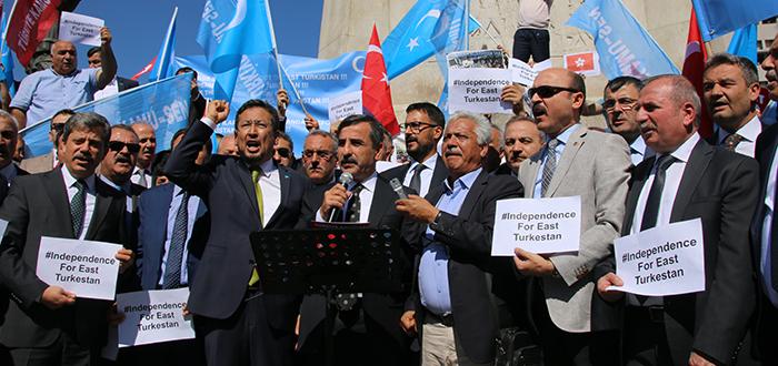Doğu Türkistan'ın Çığlığını Duyun...