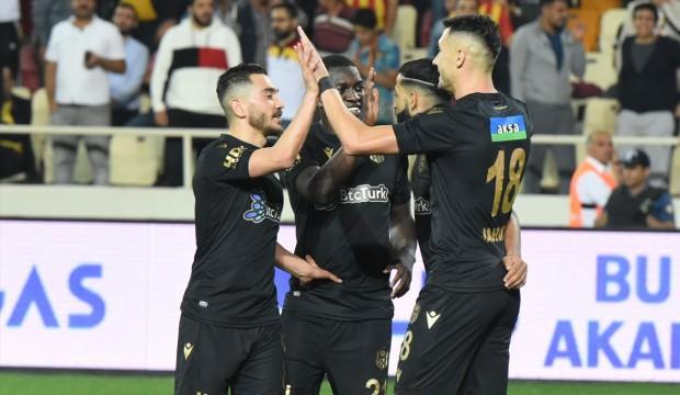 Jahovic 4 golle Denizli'yi salladı
