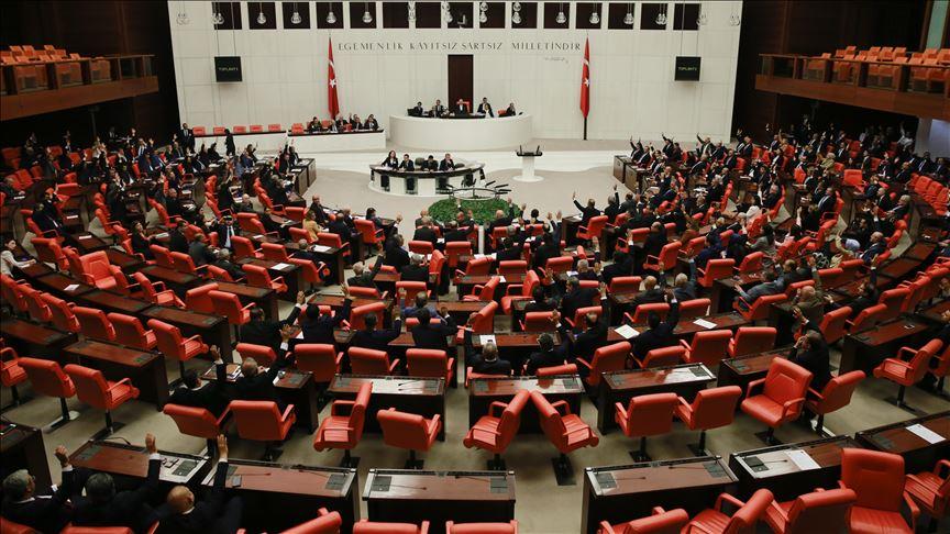 Suriye ve Irak tezkeresine Meclis'ten onay