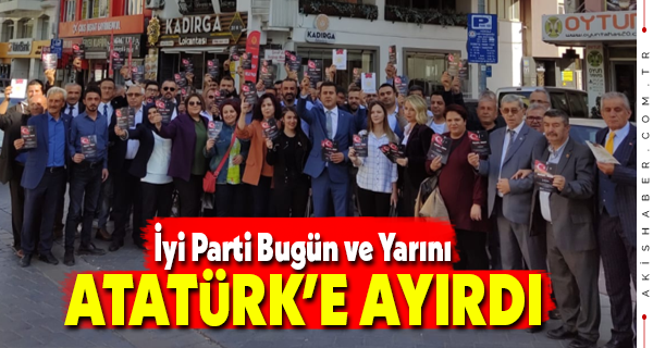 İyi parti Denizli İl Teşkilatı'ndan 10 Bin Atatürk Broşürü