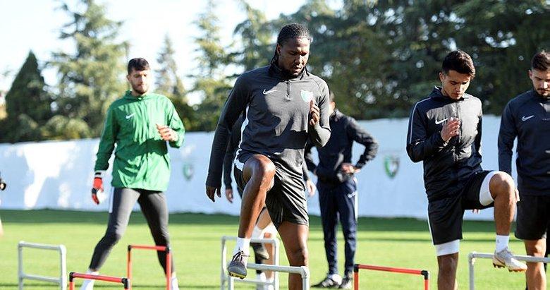 Sapunaru ve Mbamba Başakşehir maçında yok