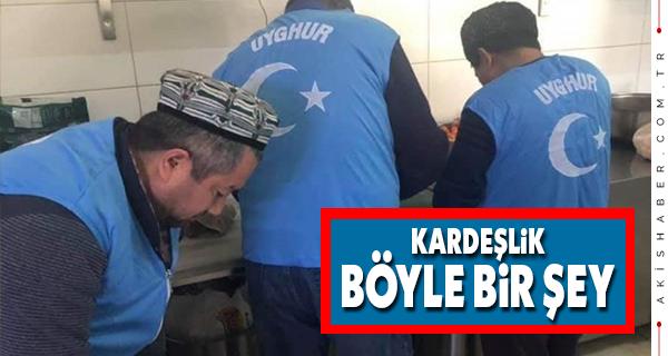 Uygur Türkleri Depremzede Kardeşlerini Unutmadı