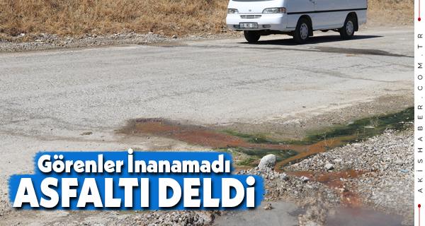 Denizli'de Asfalt Yoldan Termal Su Çıktı