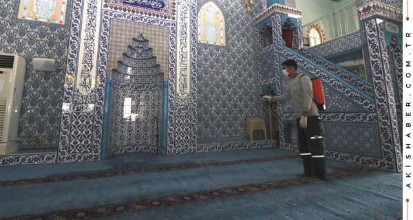 Honaz'da Camiler İlk Cumaya Hazırlanıyor