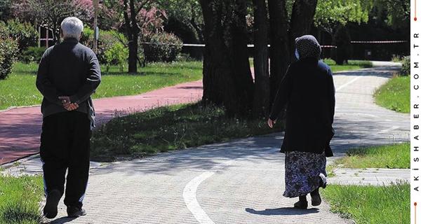 Denizli'de 65 Yaş ve Üstü Bir Kez Daha Sokakta