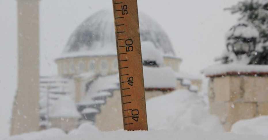 Honaz'da Kar 38 cm'yi Buldu!