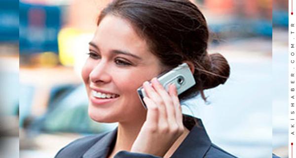 1 Temmuz'da  Yürüyerek Telefonla Konuşmak Yasaklanıyor