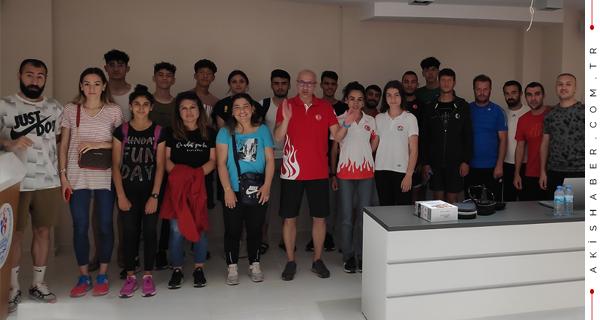 Kayseri'deki Milli Sporculara PAÜ'lü Mentör
