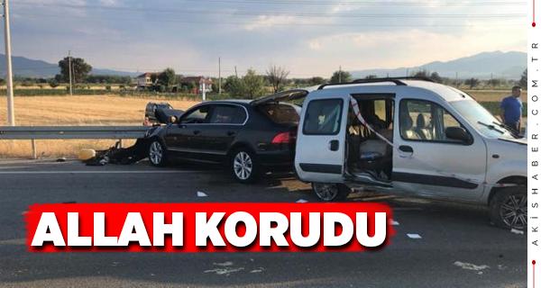 Acıpayam Yeniköy Kavşağında Feci Kaza: 4 Yaralı