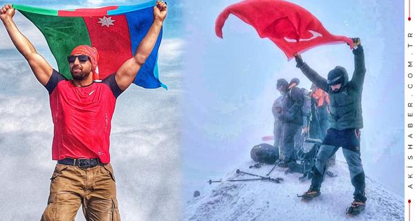 Bayraklarımız Ağrı Dağının Zirvesinde Dalgalandı