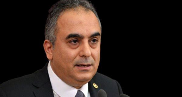 AKP milletvekili Markar Esayan hayatını kaybetti