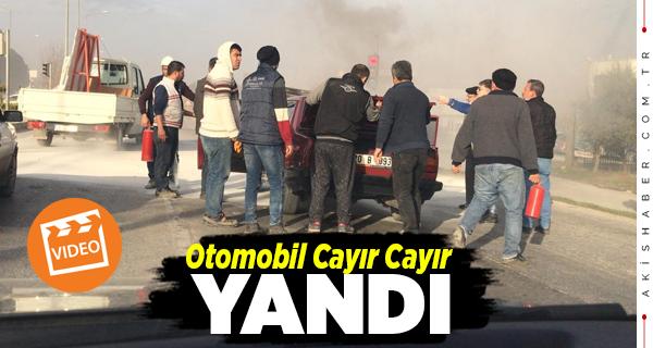 Denizli'de Yanan Aracı Vatandaşlar Söndürdü
