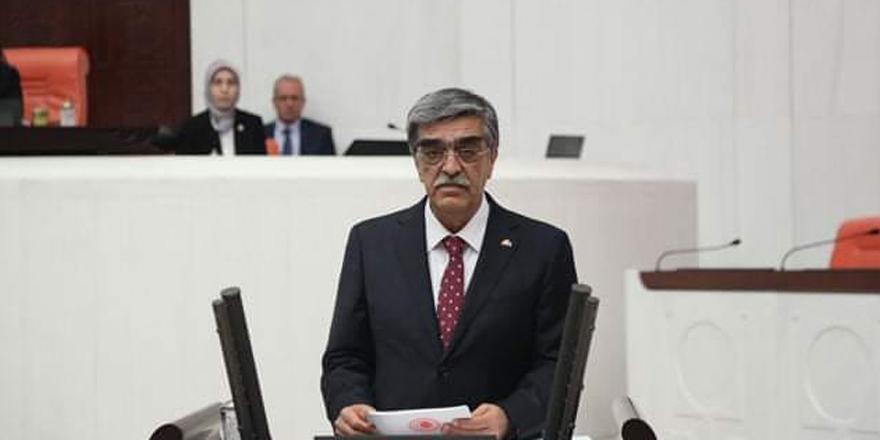MHP'li Necmettin Ahrazoğlu korona virüs nedeniyle hayatını kaybetti