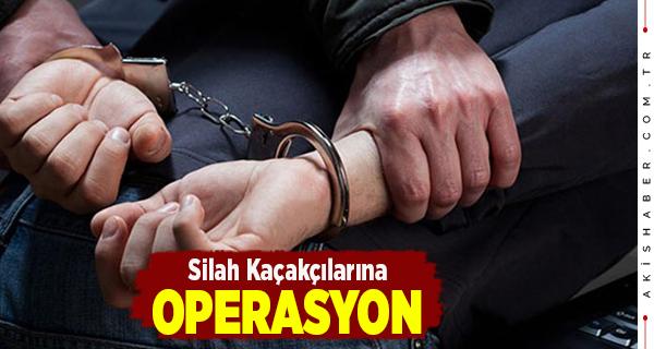 Çivril'de 2 Kaçakçı Gözaltına Alındı