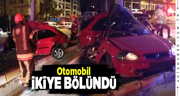 Denizli'de Feci Kazada Araç Hurdaya Döndü