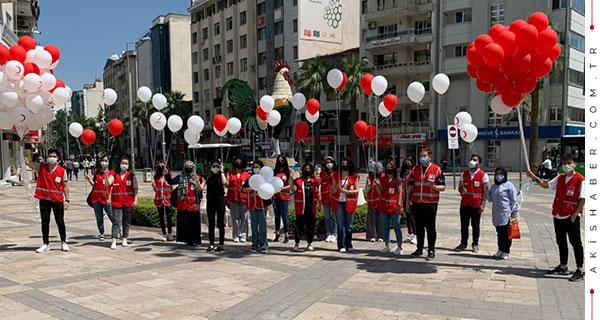 Türk Kızılayı'nda Doğum Günü Heyecanı