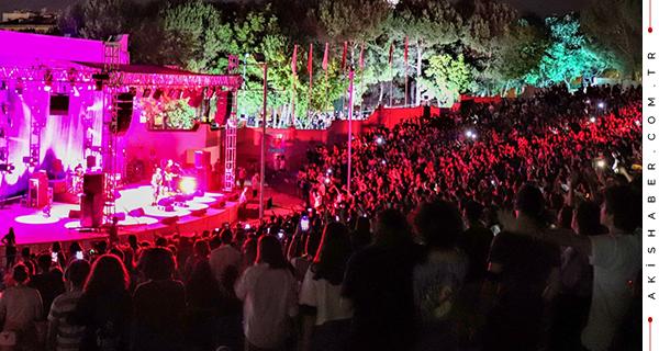 Denizli'de Müzikle Dolu Bir Gece
