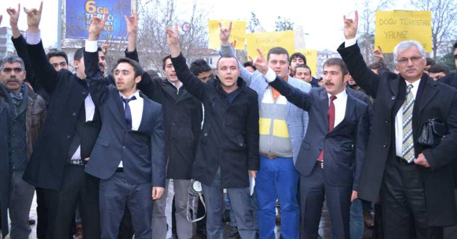 Ülkücüler: Uygur Türkleri Sahipsiz Değildir!