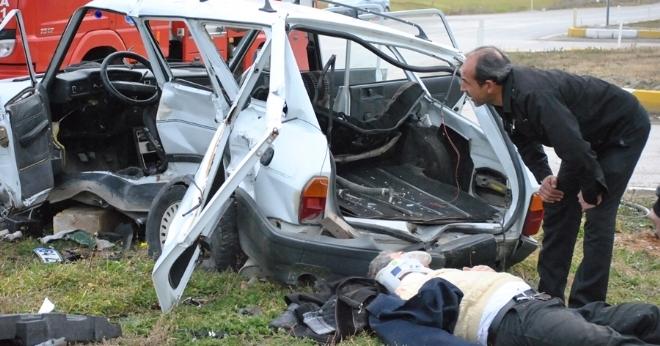 Çivril'de Kaza 2 si Ağır 7 Yaralı!