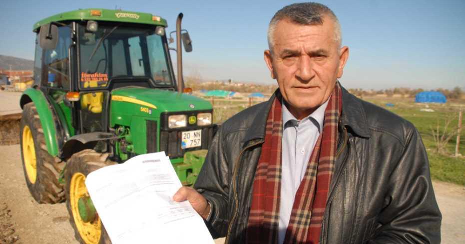 Çiftçiye Traktörle Yoldan Geçiş Cezası