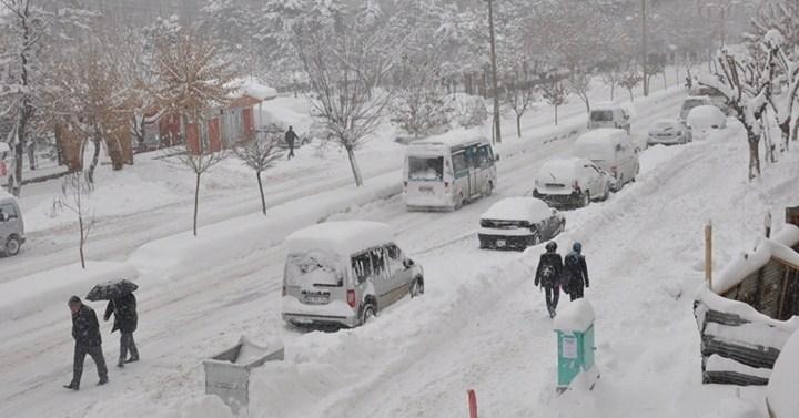 Denizli-Antalya Karayolu'nda Ulaşıma Kar Engeli
