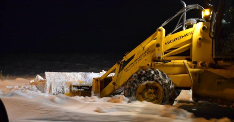 Dazkırı Belediye Ekipleri Kar Mesaisinde