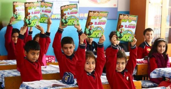 Denizlili Öğrencilere 'Bilgin Horoz' Desteği